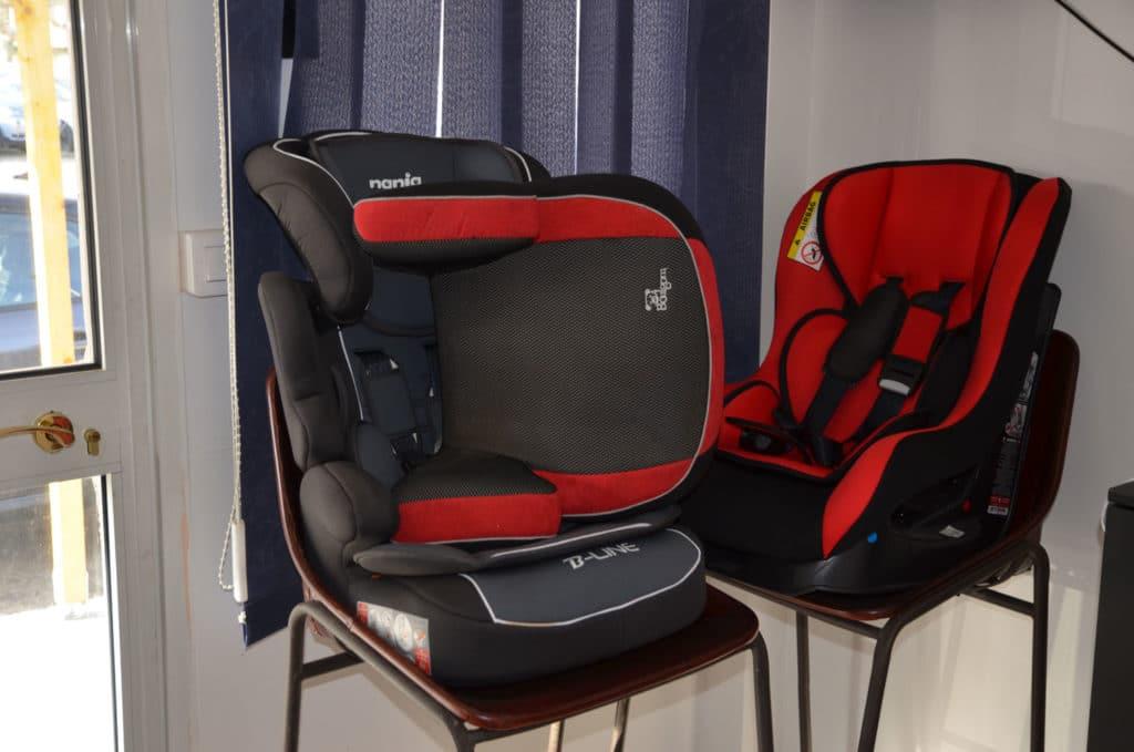 Des navettes équipées de sièges enfants si nécessaire.